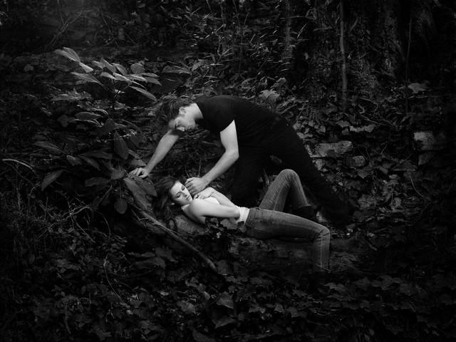 Кристен Стюарт В Черных Трусиках С Гитарой – Ранэвэйс (2010)